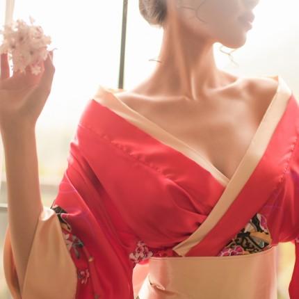 制服诱惑-瑰若-瑰若 日式艺伎风情漏乳交领印花短款和服